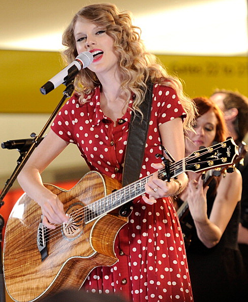 Taylor Swift performing at JetBlue's Live From T5 Concert Series