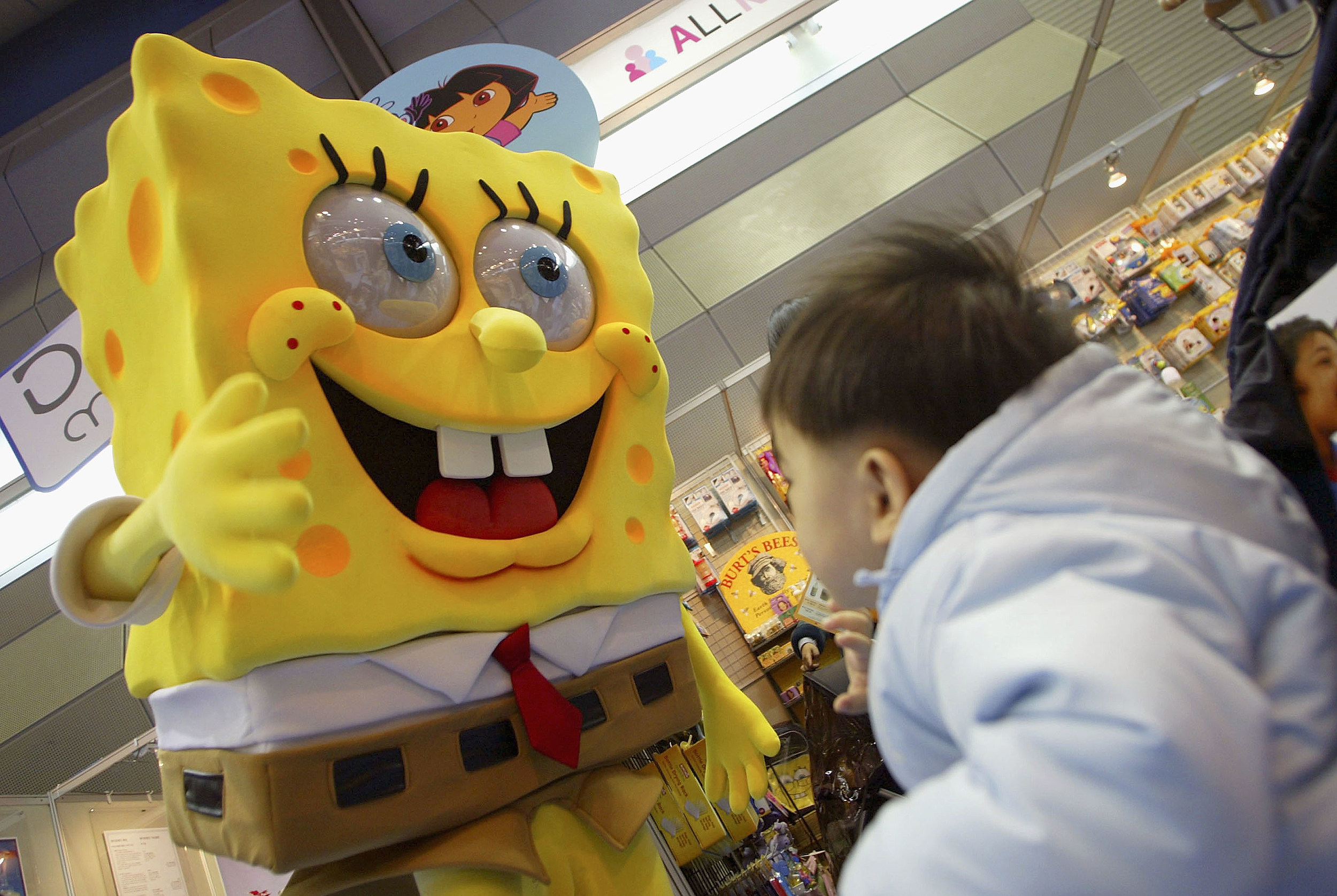 sponge bob square pants causing problems for 4 year olds video